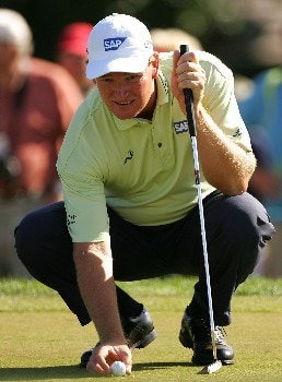 PALM BEACH GARDENS, FL - MARCH 02:  Ernie Els of South Africa lines up a putt on the 14th hole during the final round of the Honda Classic at PGA National Resort and Spa on March 2, 2008 in Palm Beach Gardens, Florida.  (Photo by Sam Greenwood/Getty Images)