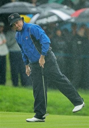 NEWPORT, WALES - OCTOBER 01:  Lee Westwood of Europe watches a putt on the third green during the Morning Fourball Matches during the 2010 Ryder Cup at the Celtic Manor Resort on October 1, 2010 in Newport, Wales.  (Photo by Ross Kinnaird/Getty Images)