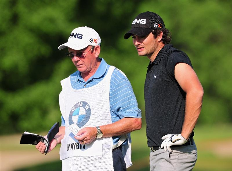 TURIN, ITALY - MAY 07:  Gareth Maybin of Northern Ireland and caddie Dave Renick on the 18th hole during the first round of the BMW Italian Open at Royal Park I Roveri on May 7, 2009 near Turin, Italy.  (Photo by Stuart Franklin/Getty Images)
