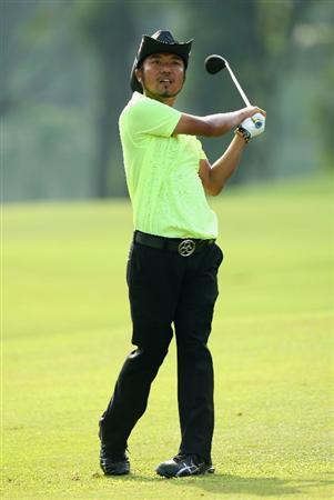 KUALA LUMPUR, MALAYSIA - FEBRUARY 13:  Shingo Katayama of Japan in action during the round two of the 2009 Maybank Malaysian Open at Saujana Golf and Country Club on February 13, 2009 in Kuala Lumpur, Malaysia.  (Photo by Ian Walton/Getty Images)