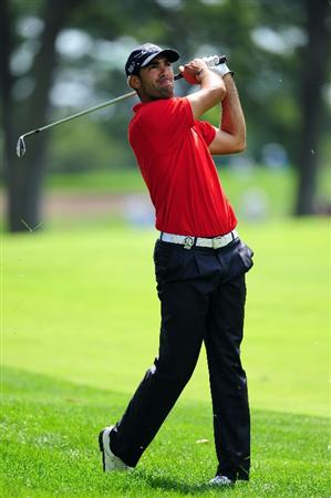 CHASKA, MN - AUGUST 13:  Alvaro Quiros of Spain hits his a shot on the sixth hole during the first round of the 91st PGA Championship at Hazeltine National Golf Club on August 13, 2009 in Chaska, Minnesota.  (Photo by Stuart Franklin/Getty Images)