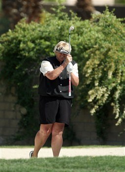 RANCHO MIRAGE, CA - APRIL 04:  Laura Davies of England reacts to her second shot at the 15th hole during the second round of the Kraft Nabisco Championship at the Mission Hills Country Club, on April 4, 2008 in Rancho Mirage, California.  (Photo by David Cannon/Getty Images)