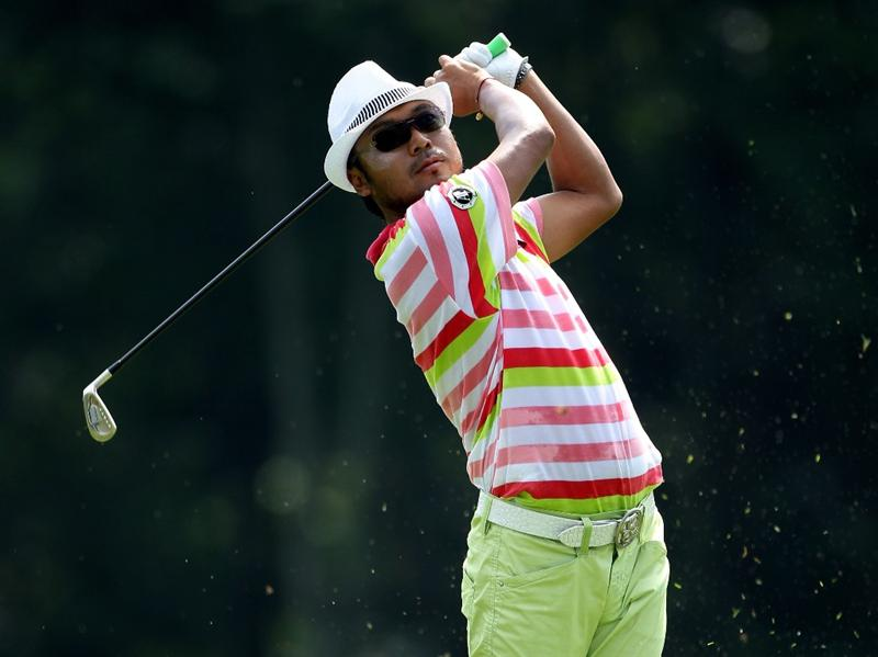 KUALA LUMPUR, MALAYSIA - MARCH 05:  Shingo Katayama of Japan plays his second shot on the first hole during the the second round of the Maybank Malaysian Open at the Kuala Lumpur Golf and Country Club on March 5, 2010 in Kuala Lumpur, Malaysia.  (Photo by Andrew Redington/Getty Images)