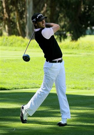 PACIFIC PALISADES, CA - FEBRUARY 20:  Aaron Baddeley of Australia hits his tee shot on the eighth hole during the final round of the Northern Trust Open at Riviera Country Club on February 20, 2011 in Pacific Palisades, California.  (Photo by Stephen Dunn/Getty Images)