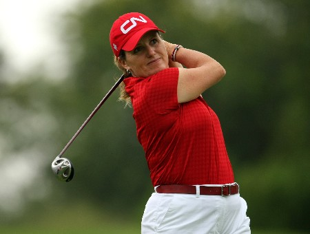 SUN CITY, SOUTH AFRICA - JANUARY 18:  Lorie Kane of Canada tee's off at the 2nd during the first round of the Women's World Cup of Golf at The Gary Player Country Club on January 18, 2008 in Sun City, South Africa.  (Photo by Richard Heathcote/Getty Images)