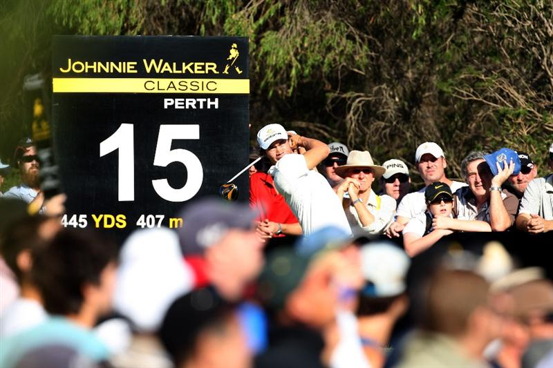 PERTH, AUSTRALIA - FEBRUARY 19:  Camilo Villegas of Colombia hits his tee shot at the 15th hole during the first round of the 2009 Johnnie Walker Classic tournament at the Vines Resort and Country Club, on 19 February 2009, in Perth, Australia  (Photo by David Cannon/Getty Images)