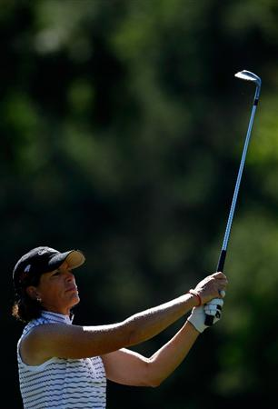 DANVILLE, CA - SEPTEMBER 24:  Juli Inkster hits her second shot on the 8th hole during the first round of the CVS/pharmacy LPGA Challenge at Blackhawk Country Club on September 24, 2009 in Danville, California.  (Photo by Jonathan Ferrey/Getty Images)