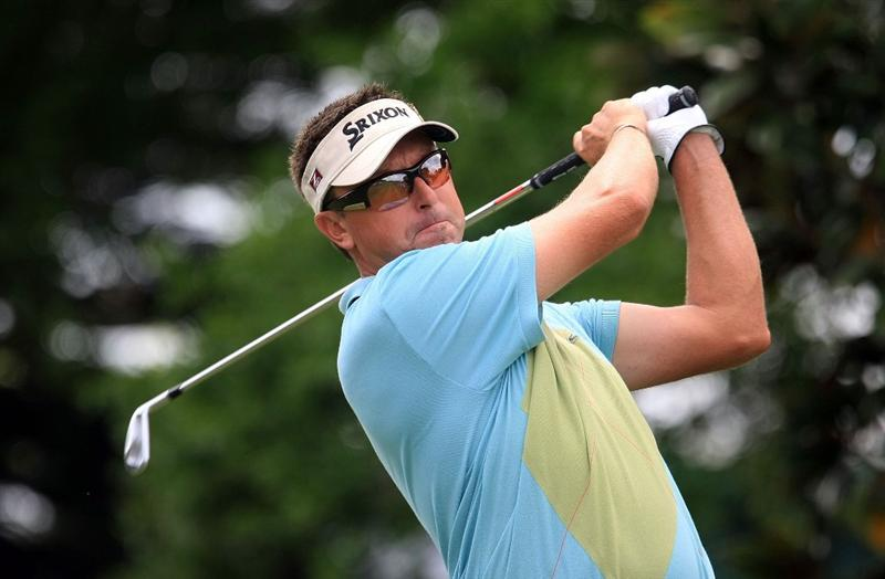 ORLANDO, FL - MARCH 28:  Robert Allenby of Australia watches his tee shot on the second hole during the third round of the Arnold Palmer Invitational at the Bay Hill Club & Lodge on March 28, 2009 in Orlando, Florida.  (Photo by Scott Halleran/Getty Images)