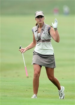 HAVRE DE GRACE, MD - JUNE 05:  Paula Creamer of the USA hits her third shot close at the eighth hole during the first round of the 2008 McDonald's LPGA Championship held at Bulle Rock Golf Course, on June 5, 2008 in Havre de Grace, Maryland.  (Photo by David Cannon/Getty Images)