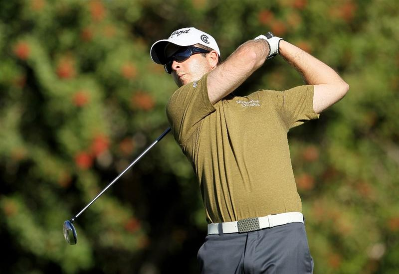 LA QUINTA, CA - JANUARY 24:  Kevin Streelman hits a tee shot on the fourth hole during the fourth round of the Bob Hope Classic at the Palmer Private course at PGA West on January 24, 2010 in La Quinta, California.  (Photo by Jeff Gross/Getty Images)