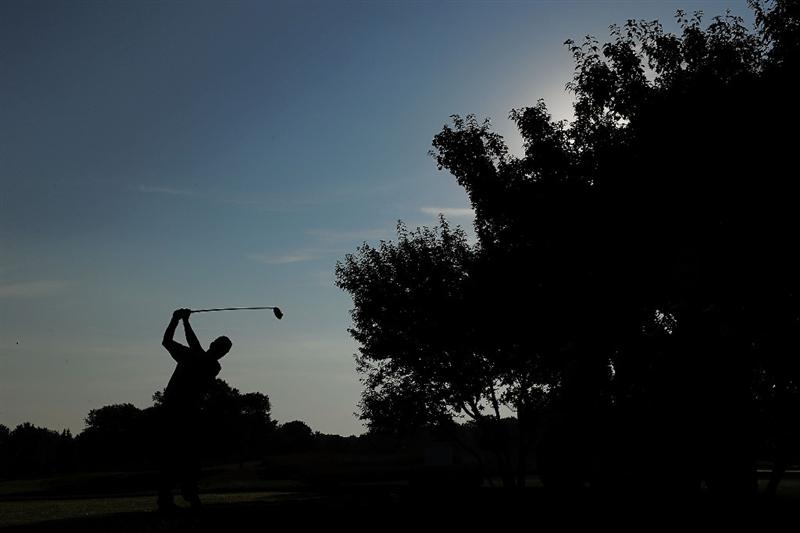 CHASKA, MN - AUGUST 13:  Scott Verplank hits a shot on the second hole during the first round of the 91st PGA Championship at Hazeltine National Golf Club on August 13, 2009 in Chaska, Minnesota.  (Photo by Stuart Franklin/Getty Images)