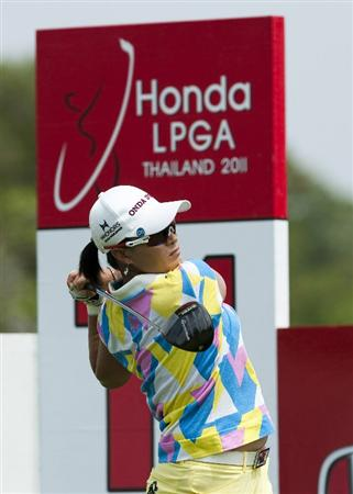 CHON BURI, THAILAND - FEBRUARY 17:  Se Ri Pak of South Korea tees off on the 11th hole during day one of the LPGA Thailand at Siam Country Club on February 17, 2011 in Chon Buri, Thailand.  (Photo by Victor Fraile/Getty Images)