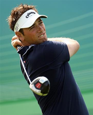 ABU DHABI, UNITED ARAB EMIRATES - JANUARY 15:  Nick Dougherty of England on the 17th tee during the first round the Abu Dhabi Golf Championship at the Abu Dhabi Golf Club on January 15, 2009 in Abu Dhabi, United Arab Emirates.  (Photo by Ross Kinnaird/Getty Images)