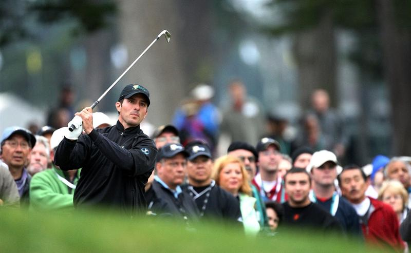 SAN FRANCISCO - OCTOBER 11:  Mike Weir of the International Team watches a shot on the first hole during the Final Round Singles Matches of The Presidents Cup at Harding Park Golf Course on October 11, 2009 in San Francisco, California.  (Photo by David Cannon/Getty Images)