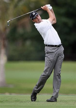 DORAL, FL - MARCH 10:  Matt Kuchar hits his tee shot on the ninth hole during the first round of the 2011 WGC- Cadillac Championship at the TPC Blue Monster at the Doral Golf Resort and Spa on March 10, 2011 in Doral, Florida.  (Photo by Sam Greenwood/Getty Images)
