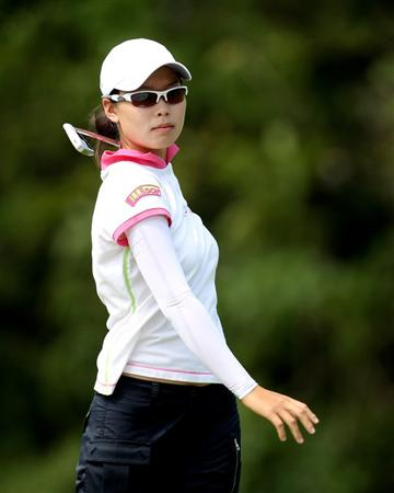 SINGAPORE - FEBRUARY 27:  Sun Young Yoo of South Korea during the third round of the HSBC Women's Champions at the Tanah Merah Country Club on February 27, 2010 in Singapore.  (Photo by Ross Kinnaird/Getty Images)