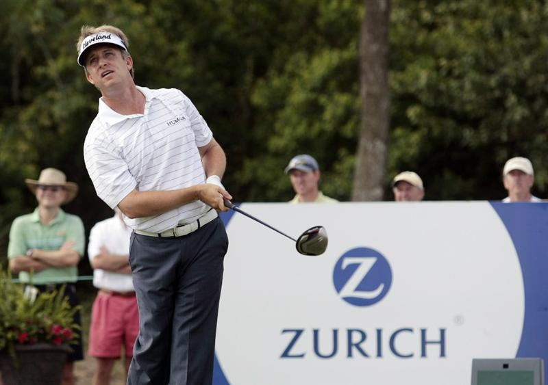 AVONDALE, LA - APRIL 24: David Toms watches his drive on the 18th hole during the second round of the Zurich Classic at TPC Louisiana on April 24, 2009  in Avondale, Louisiana. (Photo by Dave Martin/Getty Images)