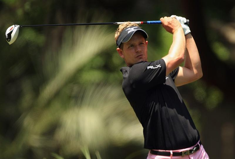 HILTON HEAD ISLAND, SC - APRIL 24:  Luke Donald of England watches his tee shot on the 2nd hole during the final round of The Heritage at Harbour Town Golf Links on April 24, 2011 in Hilton Head Island, South Carolina.  (Photo by Streeter Lecka/Getty Images)