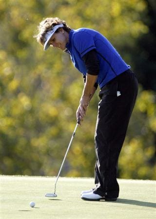 DANVILLE, CA - OCTOBER 10: Michele Redman putts on the 5th hole during the second round of the LPGA Longs Drugs Challenge at the Blackhawk Country Club October 10, 2008 in Danville, California. (Photo by Max Morse/Getty Images)