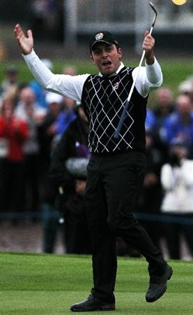 NEWPORT, WALES - OCTOBER 02:  Francesco Molinari of Europe celebrates on the fifth green during the  Fourball & Foursome Matches during the 2010 Ryder Cup at the Celtic Manor Resort on October 2, 2010 in Newport, Wales.  (Photo by Andy Lyons/Getty Images)