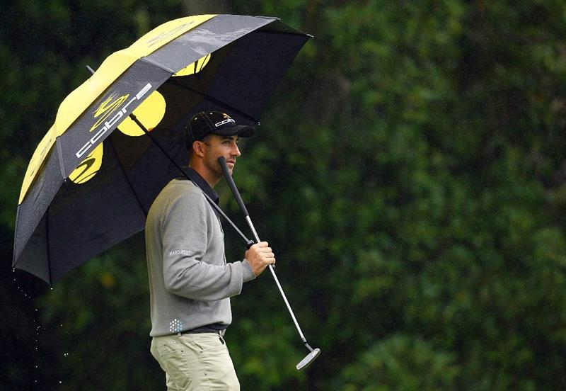 SYDNEY, AUSTRALIA - DECEMBER 11: Geoff Ogilvy of Australia waits to putt on the 16th hole during the first round of the 2008 Australian Open at The Royal Sydney Golf Club on December 11, 2008 in Sydney, Australia.  (Photo by Mark Nolan/Getty Images)
