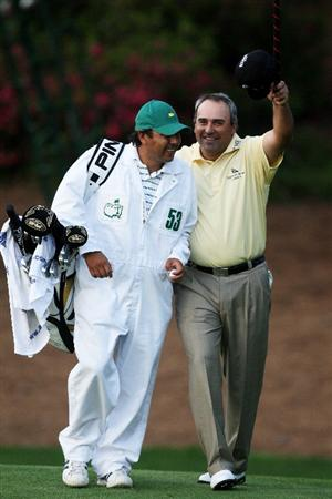 AUGUSTA, GA - APRIL 12:  Angel Cabrera of Argentina celebrates with his caddie Ruben Yorio after defeating Kenny Perry on the second sudden death playoff hole to win the 2009 Masters Tournament at Augusta National Golf Club on April 12, 2009 in Augusta, Georgia.  (Photo by David Cannon/Getty Images)