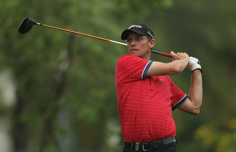 SINGAPORE - NOVEMBER 13:  Anders Hansen of Denmark in action during the Final Round of the Barclays Singapore Open at Sentosa Golf Club on November 14, 2010 in Singapore, Singapore.  (Photo by Ian Walton/Getty Images)