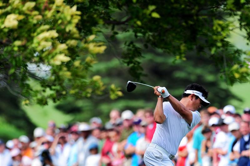 CHASKA, MN - AUGUST 16:  Y.E. Yang of South Korea hits his tee shot on the ninth hole during the final round of the 91st PGA Championship at Hazeltine National Golf Club on August 16, 2009 in Chaska, Minnesota.  (Photo by Stuart Franklin/Getty Images)