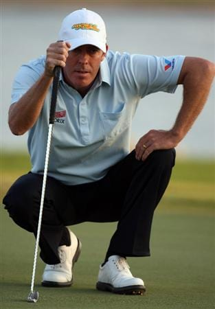 ABU DHABI, UNITED ARAB EMIRATES - JANUARY 16:  Richard Green of Australia on the par four 17th hole during the second round of the Abu Dhabi Golf Championship at the Abu Dhabi Golf Club on January 16, 2009 in Abu Dhabi, United Arab Emirates.  (Photo by Ross Kinnaird/Getty Images)