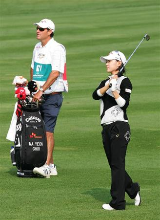 INCHEON, SOUTH KOREA - OCTOBER 30:  Na-Yeon Choi of South Korea hits a second shot in the 6th hole during round one of Hana Bank Kolon Championship at Sky 72 Golf Club on October 30, 2009 in Incheon, South Korea.  (Photo by Chung Sung-Jun/Getty Images)