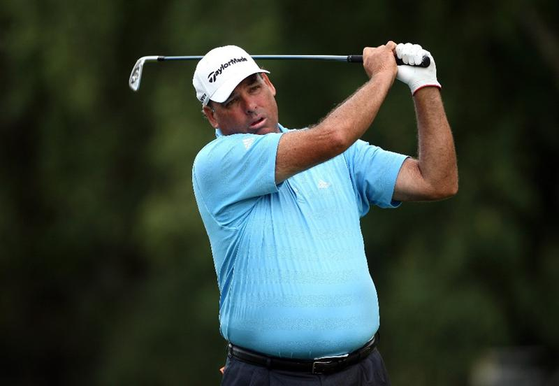 SUNNINGDALE, ENGLAND - JULY 23:  Phil Blackmar of the USA plays his second shot on the 17th hole during the first round of The Senior Open Championship presented by MasterCard held on the Old Course at Sunningdale Golf Club on July 23, 2009 in Sunningdale, England.  (Photo by Andrew Redington/Getty Images)
