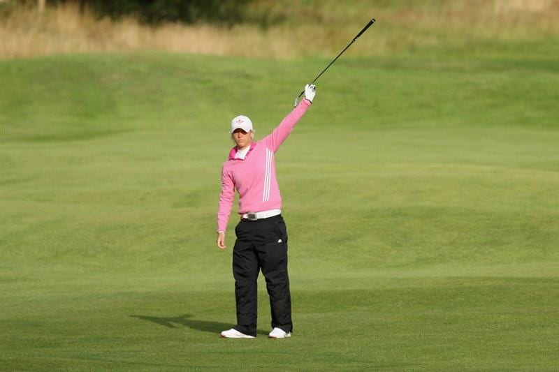 LYTHAM ST ANNES, ENGLAND - JULY 30:  Melissa Reid of England gestures following her second shot on the 3rd hole during the first round of the 2009 Ricoh Women's British Open Championship held at Royal Lytham St Annes Golf Club, on July 30, 2009 in  Lytham St Annes, England.  (Photo by David Cannon/Getty Images)