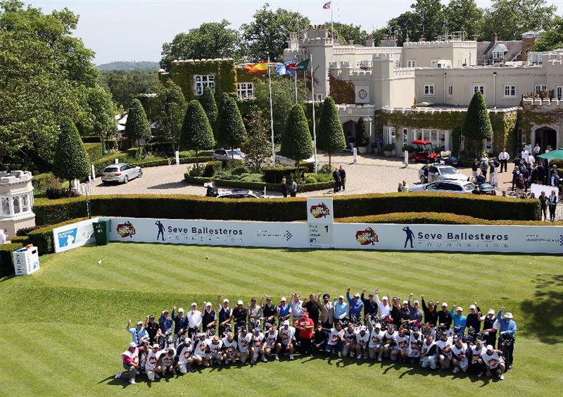 VIRGINIA WATER, ENGLAND - MAY 23:  The players, their caddies and dignitaries poses for a photograph on the first tee during the 'Ole Seve' Pro-Am in aid of the Seve Ballesteros Foundation at Wentworth Club on May 23, 2011 in Virginia Water, England.  (Photo by Andrew Redington/Getty Images)