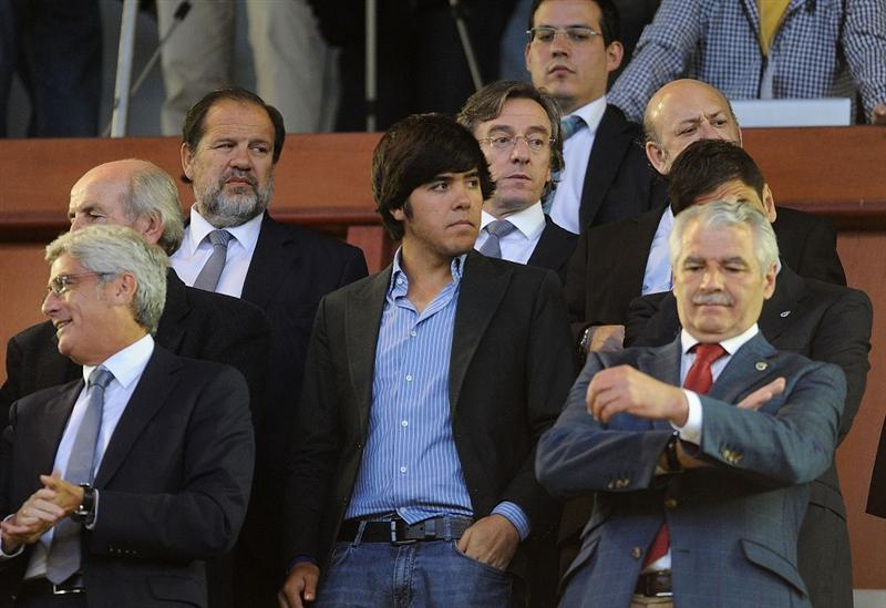 SANTANDER, SPAIN - MAY 10:  Javier Ballesteros (C) son of late golfing legend Seve Ballesteros attends the homage to his father before the La Liga match between Racing Santander and Atletico Madrid on May 10, 2011 in El Sardinero stadium in Santander near Ballesteros' home village of Pedrena, in Spain.  The funeral for the legendary Spanish golfer, who died at the age of 54 following a lengthy battle with cancer,  will be held tomorrow in his home village of  Pedrena.  (Photo by Denis Doyle/Getty Images)