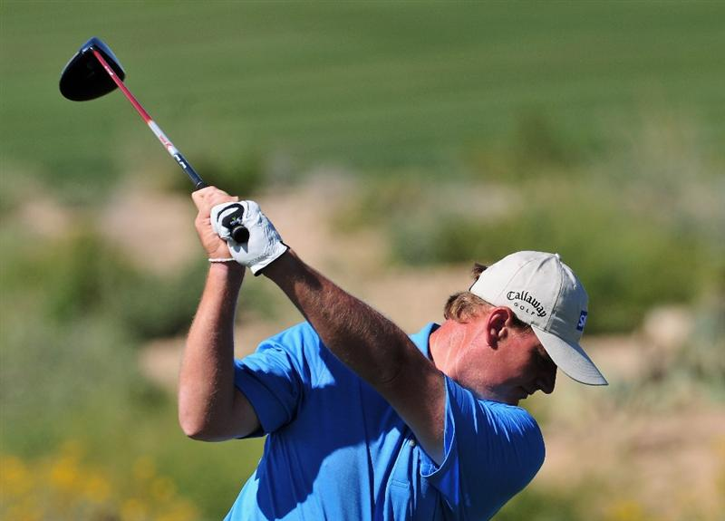 MARANA, AZ - FEBRUARY 27:  Ernie Els of South Africa plays his tee shot on the second hole during the third round of Accenture Match Play Championships at Ritz - Carlton Golf Club at Dove Mountain on February 27, 2009 in Marana, Arizona.  (Photo by Stuart Franklin/Getty Images)