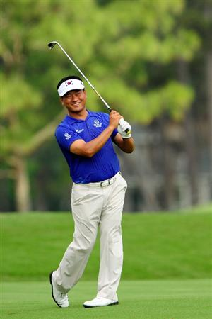 PONTE VEDRA BEACH, FL - MAY 05:  K.J. Choi of South Korea hits a shot during a practice round prior to the start of THE PLAYERS Championship held at THE PLAYERS Stadium course at TPC Sawgrass on May 5, 2010 in Ponte Vedra Beach, Florida.  (Photo by Sam Greenwood/Getty Images)
