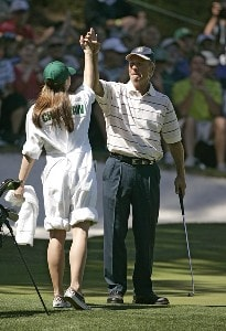 Ben Crenshaw and his Daughter during the par 3 contest prior to the 2006 Masters at the Augusta National Golf Club in Augusta, Georgia on April 5, 2006.Photo by Sam Greenwood/WireImage.com