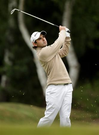 VIRGINIA WATER, ENGLAND - MAY 29:  Fabrizio Zanotti of Paraguay hits his 2nd shot on the 8th hole  during the final round of the BMW PGA Championship  at the Wentworth Club on May 29, 2011 in Virginia Water, England.  (Photo by Ross Kinnaird/Getty Images)