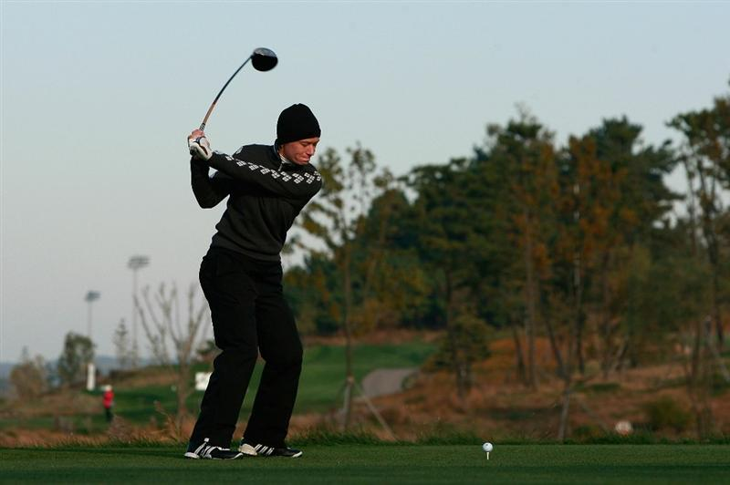 INCHEON, SOUTH KOREA - OCTOBER 30:  Catriona Matthew of Scotland hits a tee shot on the second hole during the 2010 LPGA Hana Bank Championship at Sky 72 Golf Club on October 30, 2010 in Incheon, South Korea.  (Photo by Chung Sung-Jun/Getty Images)