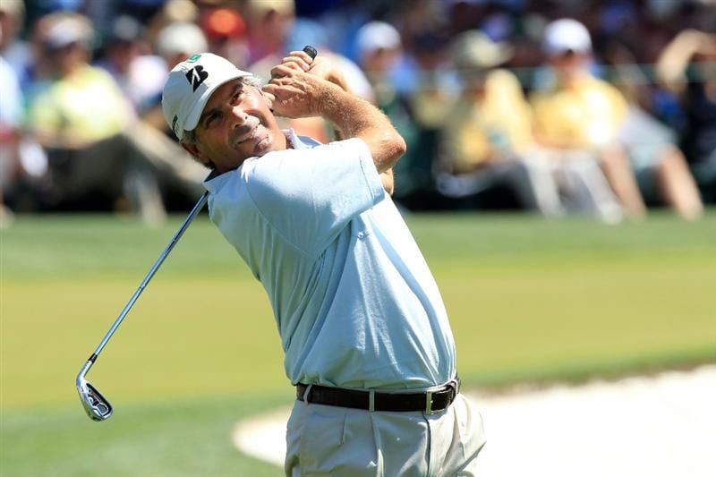 AUGUSTA, GA - APRIL 11:  Fred Couples watches his tee shot on the third hole during the final round of the 2010 Masters Tournament at Augusta National Golf Club on April 11, 2010 in Augusta, Georgia.  (Photo by David Cannon/Getty Images)