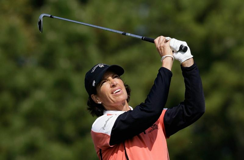 INCHEON, SOUTH KOREA - OCTOBER 31:  Juli Inkster of United States hits a tee shot on the 3rd hole during the 2010 LPGA Hana Bank Championship at Sky 72 Golf Club on October 31, 2010 in Incheon, South Korea.  (Photo by Chung Sung-Jun/Getty Images)