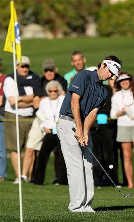 LA QUINTA, CA - JANUARY 23:  Bubba Watson chips onto the green on the seventh hole on the Palmer Private course at PGA West during the third round of the Bob Hope Classic on January 23, 2010 in La Quinta, California.  (Photo by Stephen Dunn/Getty Images)