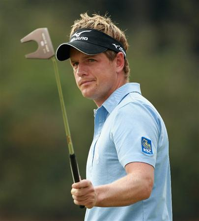 SHANGHAI, CHINA - NOVEMBER 06:  Luke Donald of England in action during the third round of the WGC-HSBC Champions at Sheshan International Golf Club on November 6, 2010 in Shanghai, China.  (Photo by Andrew Redington/Getty Images)