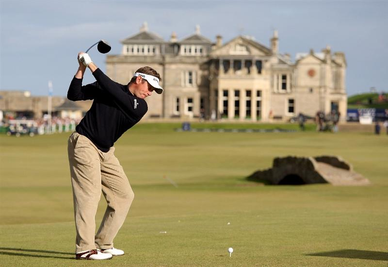 ST. ANDREWS, UNITED KINGDOM - OCTOBER 05: Lee Westwood of England drives off the 18th tee during the final round of The Alfred Dunhill Links Championship at The Old Course on October 5, 2008 in St.Andrews, Scotland. (Photo by Ross Kinnaird/Getty Images)