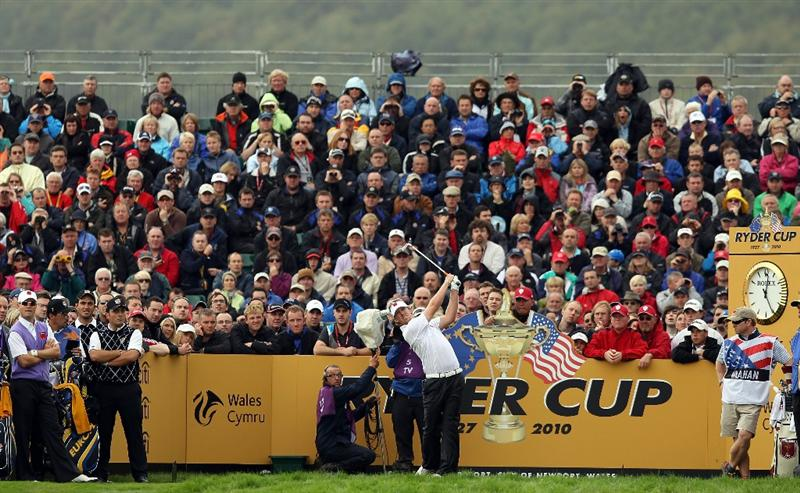 NEWPORT, WALES - OCTOBER 02:  Hunter Mahan of the USA tees off on the 7th hole during the rescheduled Afternoon Foursome Matches during the 2010 Ryder Cup at the Celtic Manor Resort on October 2, 2010 in Newport, Wales.  (Photo by Ross Kinnaird/Getty Images)