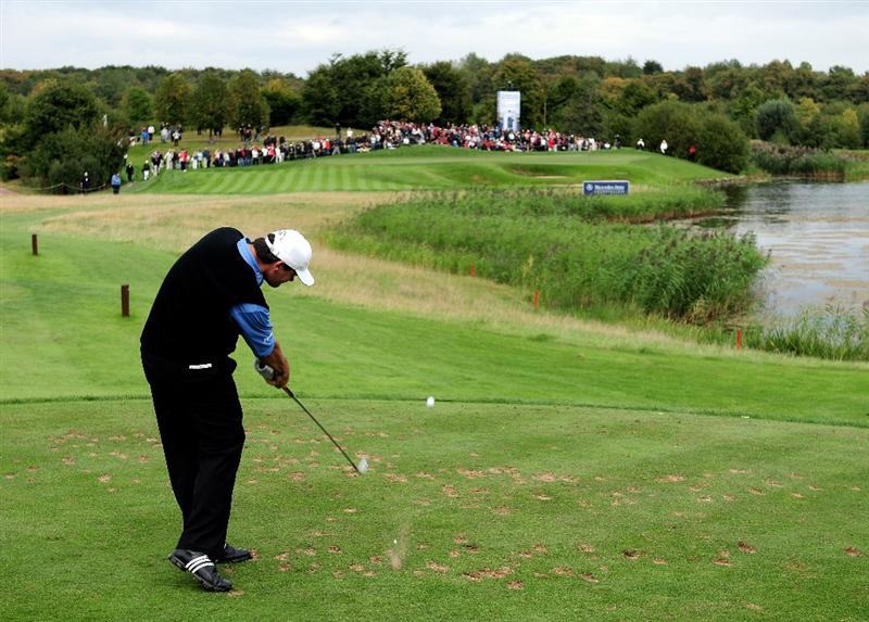 COLOGNE, GERMANY - SEPTEMBER 13:  Paul Lawrie of Scotland plays his tee shot on the 16th hole during the final round of The Mercedes-Benz Championship at The Gut Larchenhof Golf Club on September 13, 2009 in Cologne, Germany.  (Photo by Stuart Franklin/Getty Images)