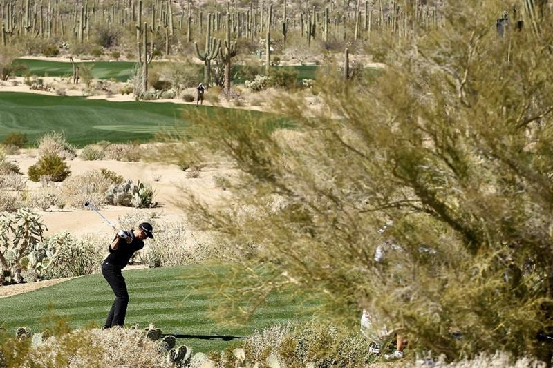 MARANA, AZ - FEBRUARY 23:  Henrik Stenson of Sweden hits his tee shot on the fifth hole during the first round of the Accenture Match Play Championship at the Ritz-Carlton Golf Club on February 23, 2011 in Marana, Arizona.  (Photo by Andy Lyons/Getty Images)