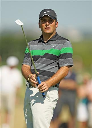 VILAMOURA, PORTUGAL - OCTOBER 17:  Francesco Molinari of Italy reacts to missing a birdie putt on the 16th green during the final round of the Portugal Masters at the Oceanico Victoria Golf Course on October 17, 2010 in Vilamoura, Portugal.  (Photo by Richard Heathcote/Getty Images)