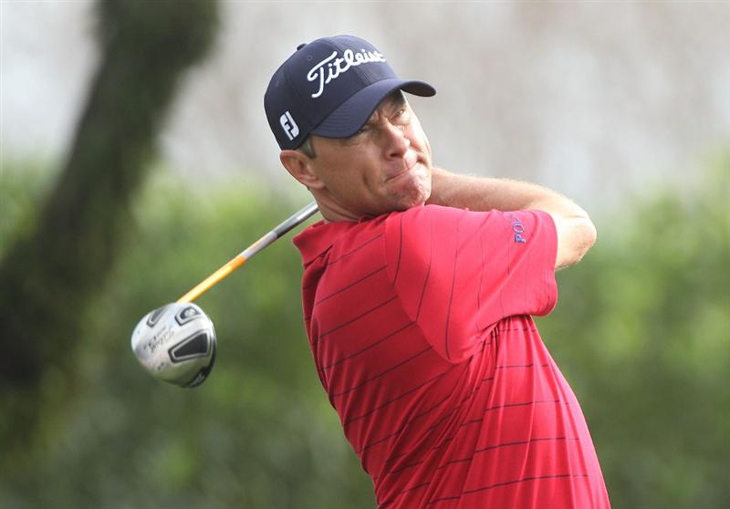 ORLANDO, FL - MARCH 26:  Davis Love III hits a shot on the 15th tee during the second round of the Arnold Palmer Invitational presented by MasterCard at the Bayhill Club and Lodge on March 26, 2010 in Orlando, Florida.  (Photo by Scott Halleran/Getty Images)