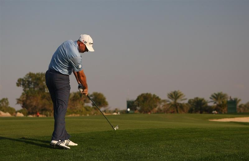 ABU DHABI, UNITED ARAB EMIRATES - JANUARY 16:  Graeme Storm of England hits his second shot on the 14th hole during the second round of The Abu Dhabi Golf Championship at Abu Dhabi Golf Club on January 16, 2009 in Abu Dhabi, United Arab Emirates.  (Photo by Andrew Redington/Getty Images)